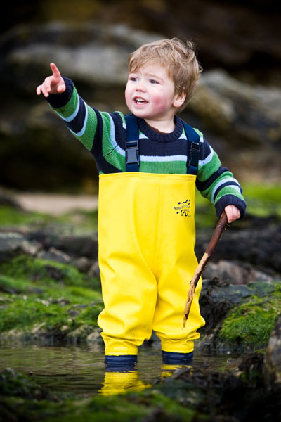 Toby rocking pooling in waders